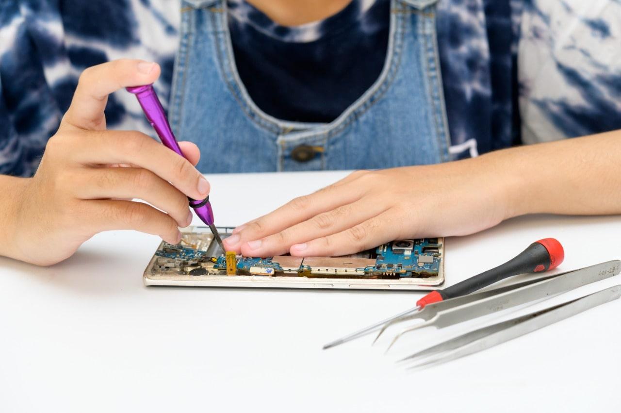 Ma formation en réparation de téléphone portable financée